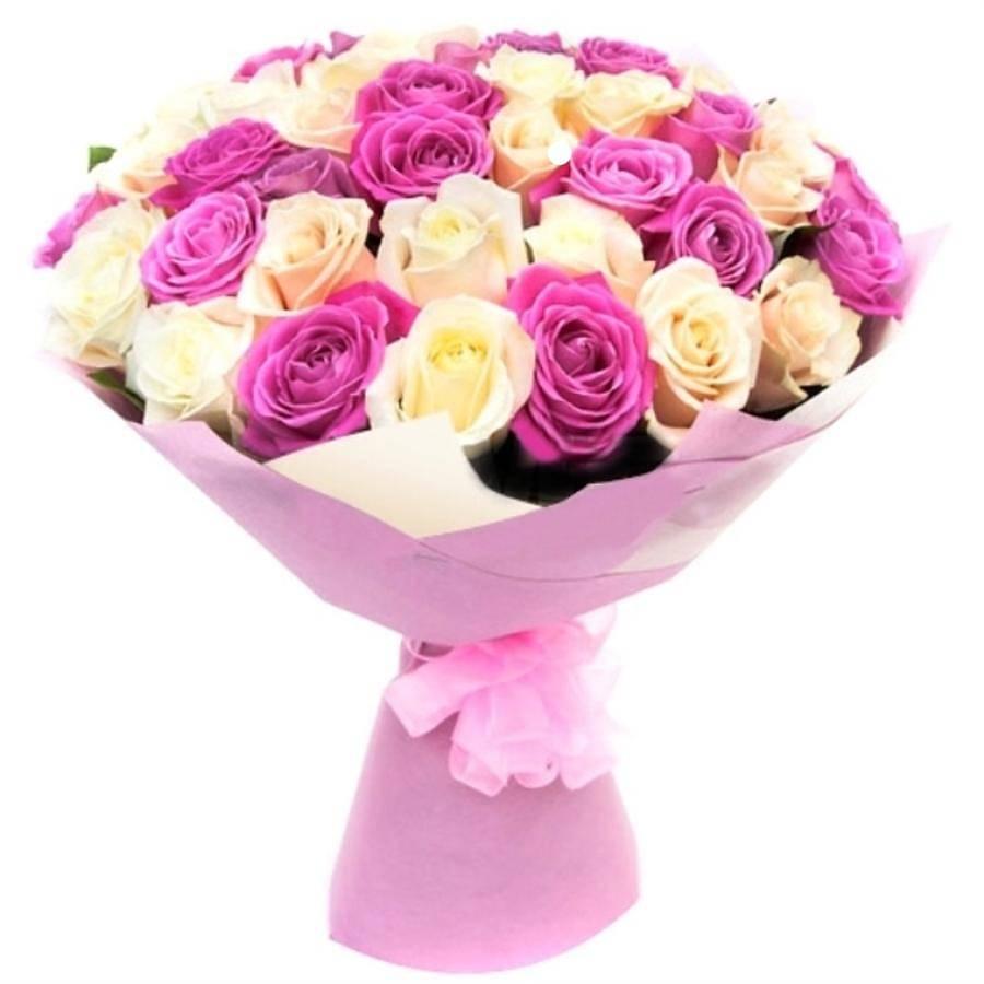Цветов, бело-розовый букет из роз